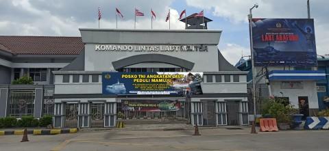 TNI AL Buka Posko Penyaluran Bantuan Korban Bencana