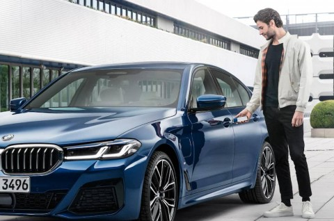 Membuka Kunci Mobil BMW Bisa Pakai Iphone