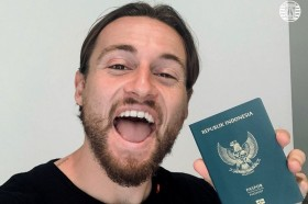 Gelandang Persija Marc Klok Semringah Punya paspor Indonesia