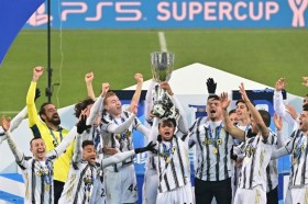 Juventus vs Napoli: Diwarnai Rekor Gol Ronaldo, Bianconeri Juara Piala Super Italia