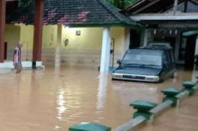 Rawan Bencana Alam, Persiapkan Asuransi Kendaraan dengan Baik