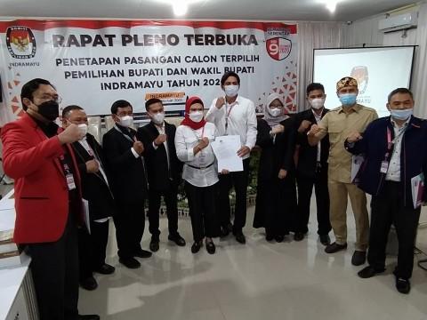 Nina Agustina-Lucky Hakim Ditetapkan Bupati dan Wakil Bupati Indramayu