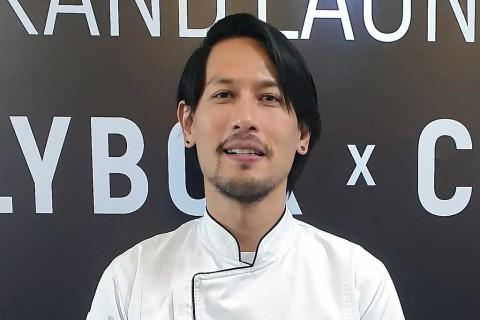 Chef Juna Unggah Foto Infus, Tertulis DAMNCOVID19