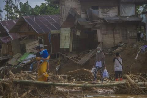 Banjir di Kalsel Bukan Akibat Penebangan Hutan Sembarangan