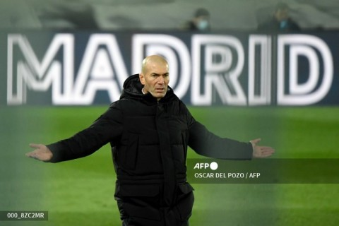 Di Tengah Isu Pemecatan, Zidane Dinyatakan Positif Covid-19