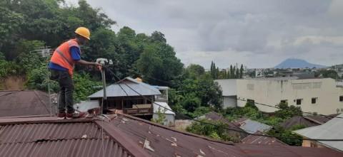 PLN Kembali Nyalakan Seluruh Gardu Listrik Terdampak Banjir di Manado