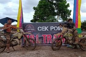 Aksi Komunitas Motor Trail Antarkan Bantuan Ke Korban Banjir Kalimantan