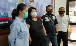 Pelaku Merasa Tak Bersalah Mesum di Halte, Diduga Sakit Jiwa