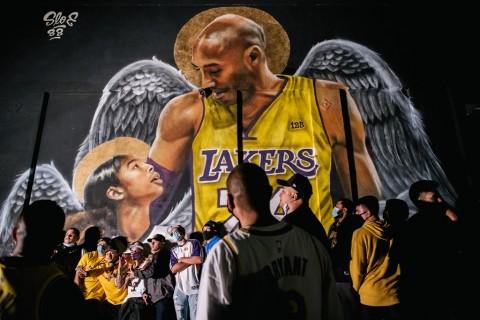 Kobe Bryant Bersemayam Abadi di Sebuah Alun-alun Kota Italia
