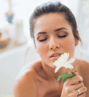 5 Cara Alami Mengatasi Kerutan pada Wajah