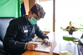 Sandiaga Mulai <i>Ngantor</i> di Bali