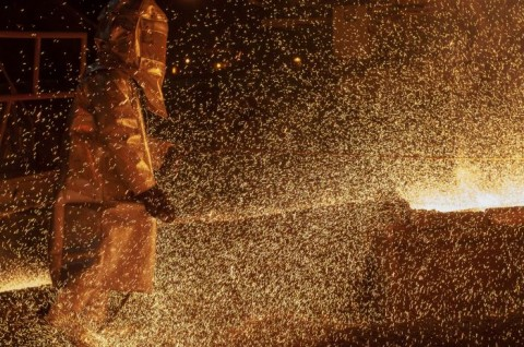 Pemerintah Jamin Operasional <i>Smelter</i> Pakai Tenaga Kerja Lokal
