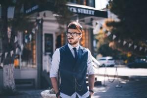 5 Fashion Hacks Ini Bikin Pria Tambah Keren