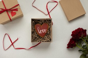 Bukan Hanya Bunga, Ini 5 Kado untuk yang Tersayang di Hari Valentine