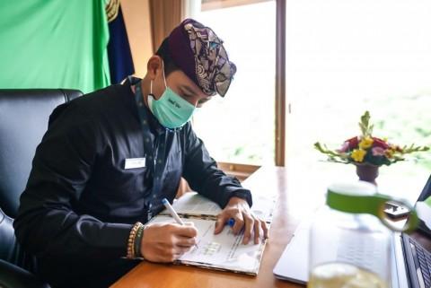 Menparekraf Garap Potensi Pariwisata Berbasis Vaksin di Bali
