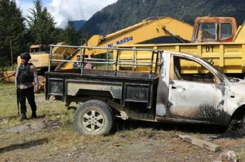 KKB Bakar Kamp dan Kendaraan PT Unggul di Kabupaten Puncak