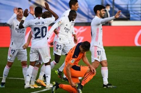 Real Madrid vs Valencia: El Real Bungkam Valencia