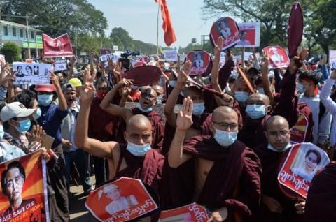 Semua Agama di Myanmar Bersatu Menentang Kudeta Militer