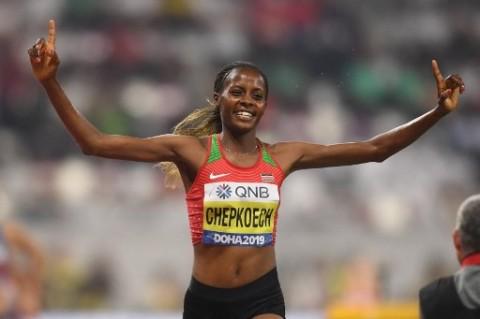 Gila, Pelari Wanita Ini Cetak Rekor Dunia Lari 5 Km, Hanya Butuh 14 Menit