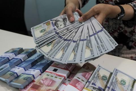 Kurs Rupiah Fluktuatif, Sore Ini Bertengger di Rp13.930/USD