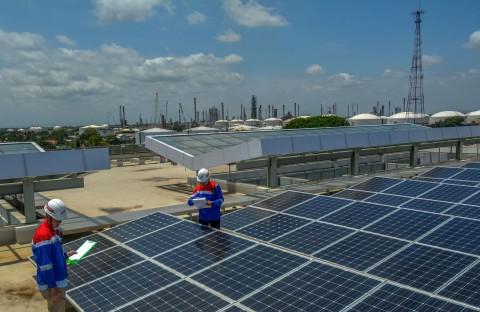 Fokus Bangun PLTS, Pertamina Targetkan Penggunaan Listrik EBT 50 MW