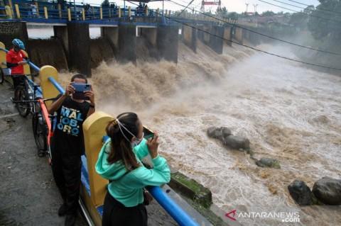 Sejumlah Wilayah di Pulau Jawa Berstatus Siaga Banjir