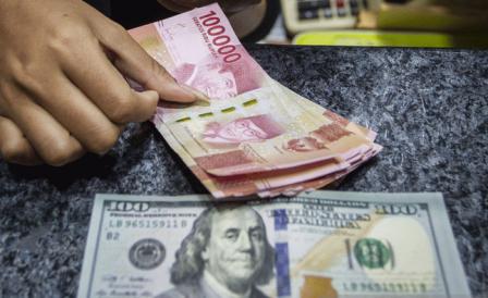 Taji Dolar AS Masih Kuat, Penurunan Suku Bunga Acuan Tak Mampu Selamatkan Rupiah