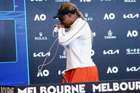 Australian Open: Serena Williams Menangis Tinggalkan Jumpa Pers