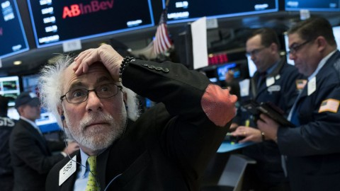 Wall Street Bervariasi, Dow-Nasdaq Kompak Menghijau