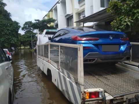 Jakarta Sekitar Dilandar Banjir, Ini Layanan Evakuasi Gratis Khusus Mobil Eropa