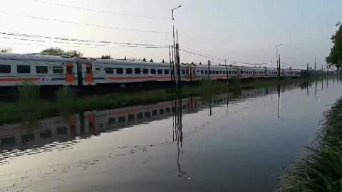 Banjir, Sejumlah Perjalanan KA Jarak Jauh Terganggu