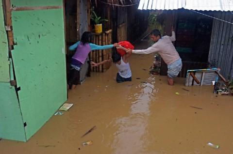 Badai Tropis Dujuan Terjang Filipina, 5.000 Warga Mengungsi