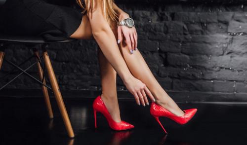 Semakin curam sepatu kamu maka semakin sakit saat dipakai. (Foto: Ilustrasi. Dok. Freepik.com)