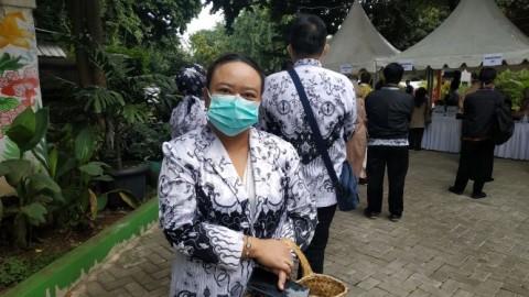 600 Guru Disuntik Vaksin Hari ini di SMAN 70 Jakarta
