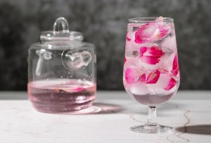 Cara Menambahkan Air Mawar pada Rutinitas Perawatan Kulitmu
