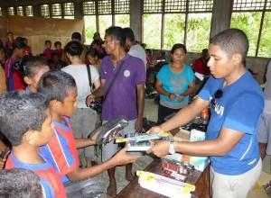 Shoes for Flores, Menjaga Semangat Anak-anak di Pelosok Flores untuk Tetap Bersekolah