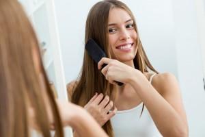 Manfaat dan Cara Meminyaki Rambut