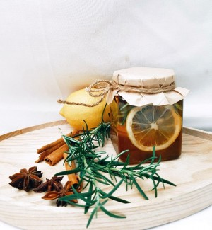 7 Beauty Hacks Menggunakan Lemon dan Madu