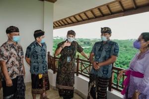 Menparekraf: Pramuwisata Harus Tingkatkan Kapasitas Diri Pasca Pandemi
