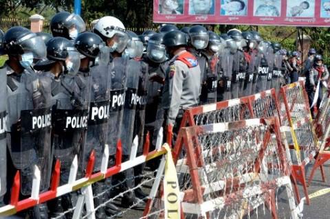 Polisi Myanmar Tahan Jurnalis Jepang saat Protes di Yangon