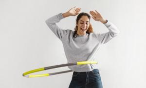 Manfaat Main Hula Hoop, Salah Satunya Efektif Turunkan Berat Badan