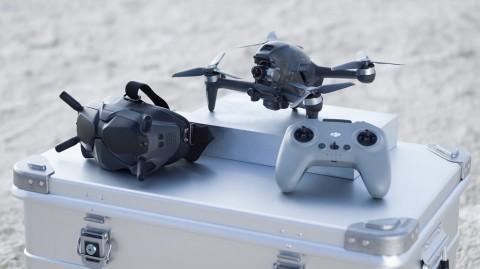 Drone Terbaru DJI FPV Bawa Pengalaman Terbang Rasa Superman