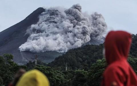 Gunung Merapi Erupsi Puluhan Kali dalam Sehari