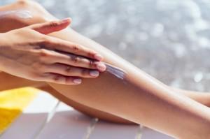 Apa Beda Sunblock dan Sunscreen?