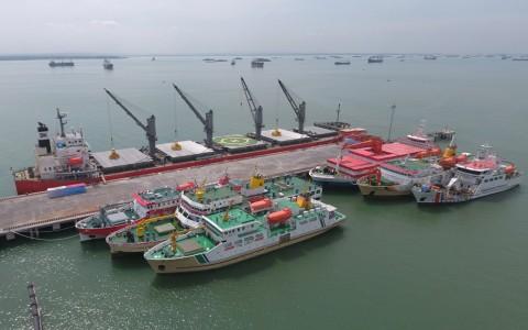 PLN Pasok Listrik ke Pelabuhan Pelindo III di Semarang