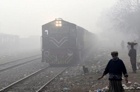 Kereta Api Terguling di Pakistan, 1 Tewas 40 Terluka