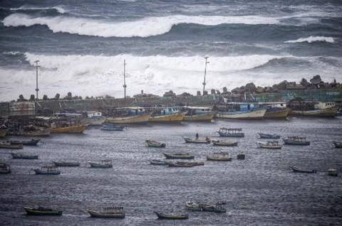 Tiga Nelayan Palestina Tewas dalam Ledakan Misterius di Gaza