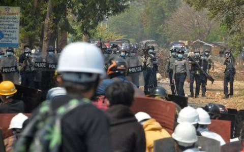 Dua Pedemo Penentang Kudeta Myanmar Tewas Ditembak di Kepala
