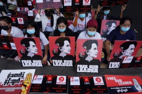 Duta Besar Myanmar untuk Inggris Minta Aung San Suu Kyi Dibebaskan