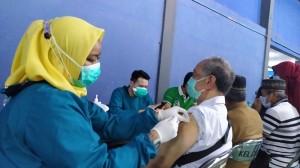 4.800 Lansia di Kota Tangerang Terima Vaksin Covid-19